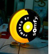 Дизайнерски светещи реклами
